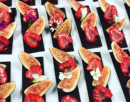 fig and strawberry dessert